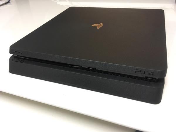 新型PS4 CUH-2000
